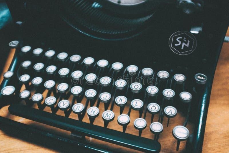 Old Typewriter Free Public Domain Cc0 Image