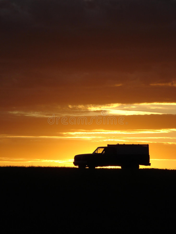 Download Old vehicle at sunset stock photo. Image of trouble, sunset - 5441750