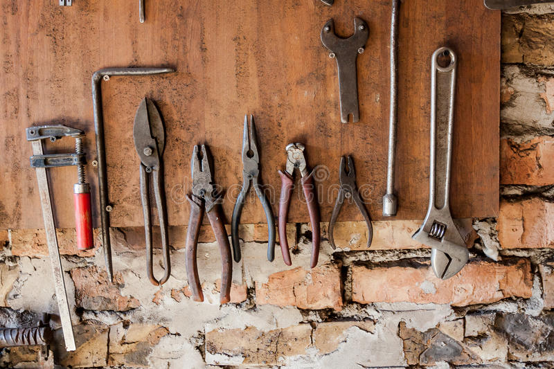14 Different Types of Finishing Carpentry Tools