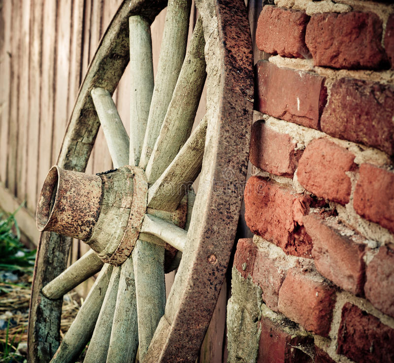 Free Old Wagon Or Cart Wheel On Farm Stock Image - 28544301