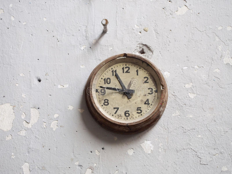 Old Wall Clock Stock Images Download 20 019 Royalty Free