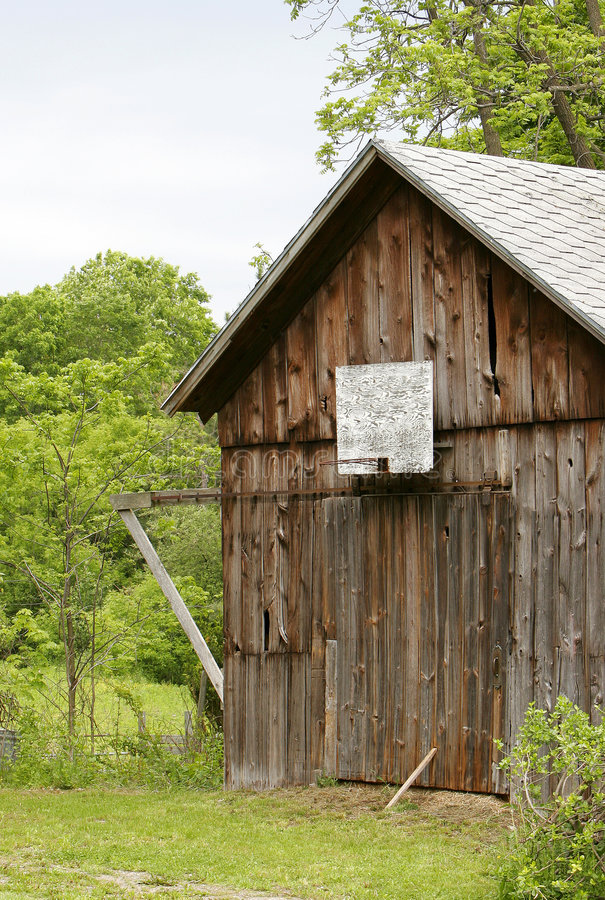 Free Old Weathered Barn Royalty Free Stock Image - 5308296