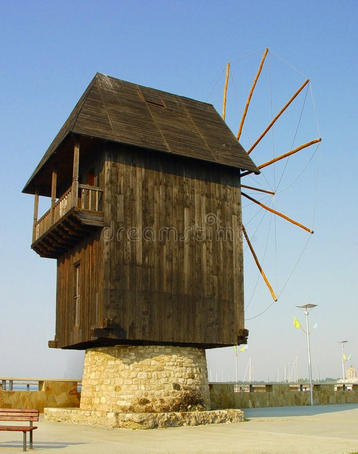 Free Old Windmill Royalty Free Stock Photo - 1025405