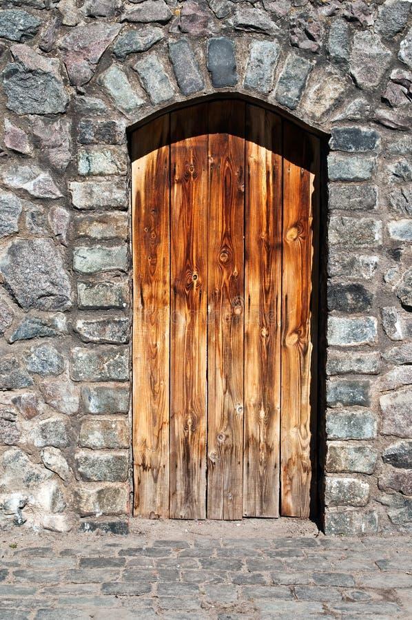 Free Old Wood Door Royalty Free Stock Image - 19000666