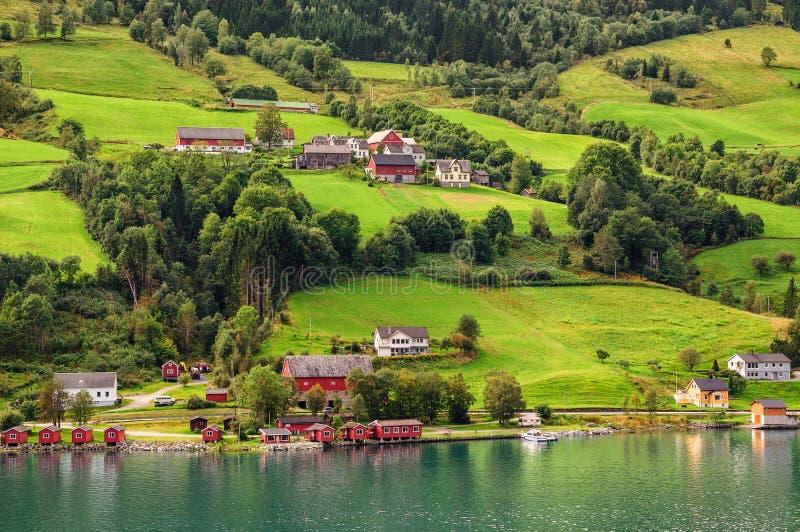 Olden - Nordfjord - les passages aux glaciers photos stock