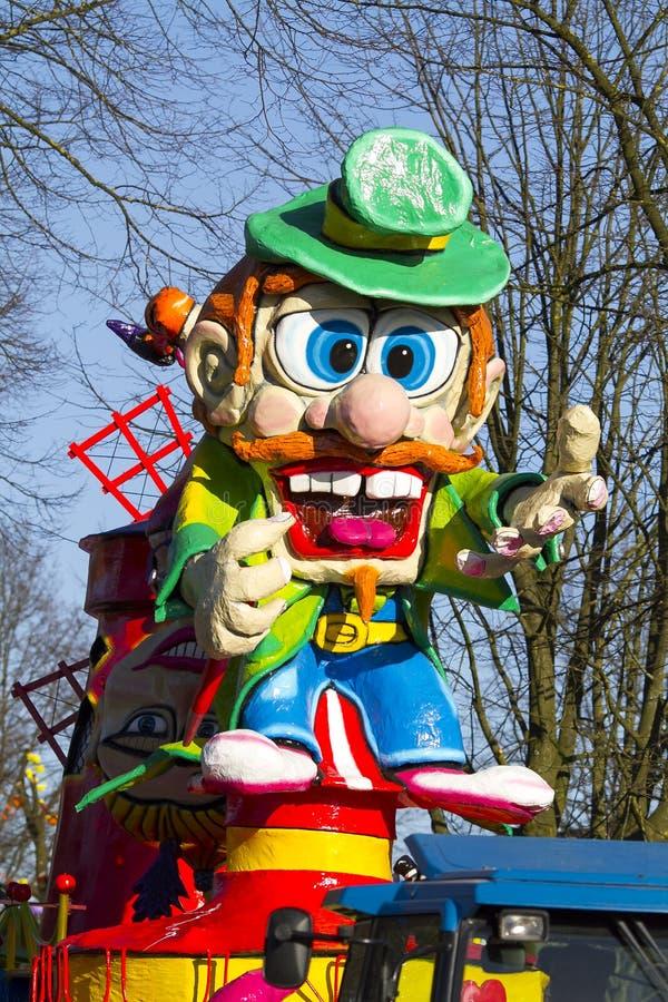 OLDENZAAL, PAESI BASSI - 6 MARZO: Figure giganti durante la parata di carnevale annuale in Oldenzaal, Paesi Bassi fotografie stock