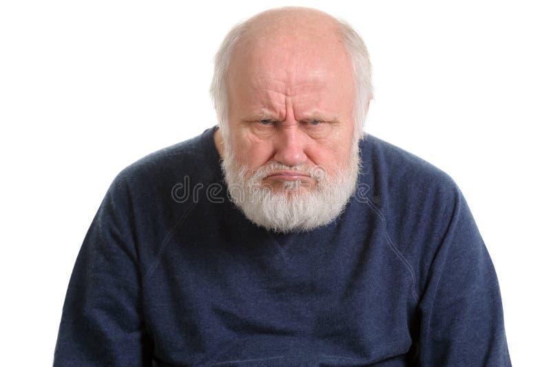 Oldfart grincheux ou portrait d'isolement contrarié mécontent de vieil homme image libre de droits