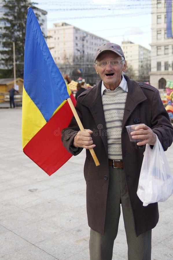 Oldman comemora o dia nacional em Romênia foto de stock royalty free