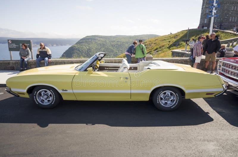 Olds-Macheten-Kabriolett 1970 lizenzfreies stockbild