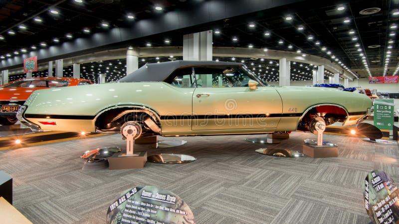 Oldsmobile (Olds) 442 återställande 1970 royaltyfria foton