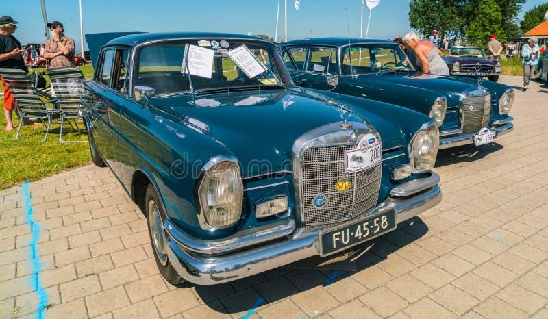 Oldtimer de Mercedes 220S en el día nacional anual del oldtimer en Lelystad imagen de archivo libre de regalías