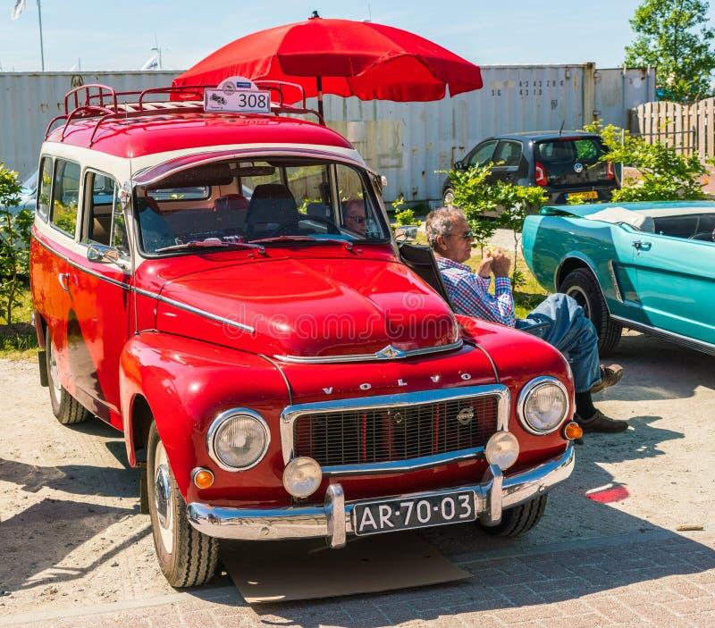 Oldtimer de Volvo au jour national annuel d'oldtimer dans Lelystad images stock