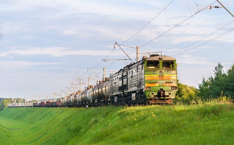 olejów napędowy zafrachtowania ciągnęli lokomotywa pociąg obraz stock