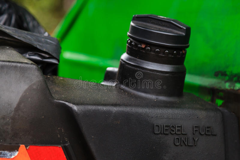Olej napędowy tylko zaznaczający na paliwowym zbiorniku samochód obraz royalty free