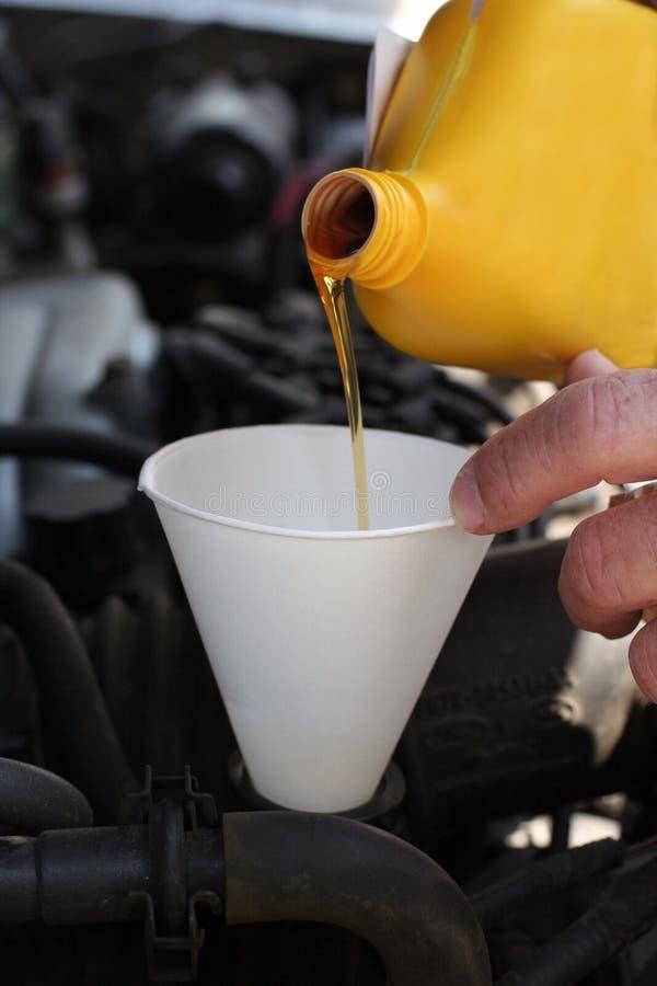 olej silnikowy silnika ulewnym obraz stock