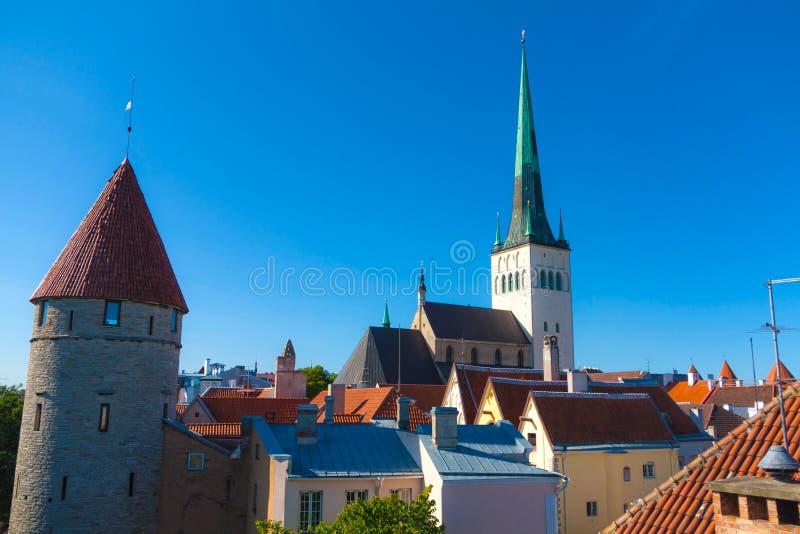 Oleviste Kirche lizenzfreies stockfoto