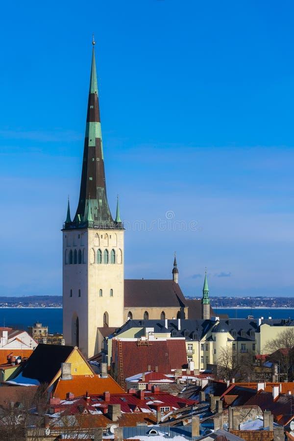 Oleviste-kirik Kirche St. Olavs stockfotos