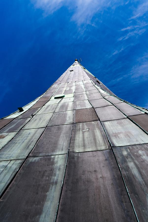 Oleviste kyrkakyrktorn i Tallinn Estland arkivbilder