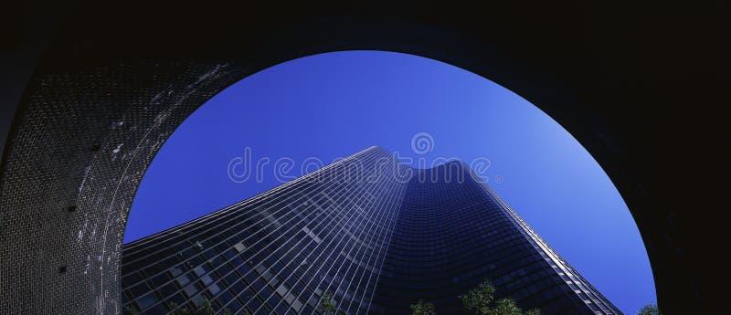 Olhando acima na torre do ponto do lago, Chicago, IL imagem de stock royalty free