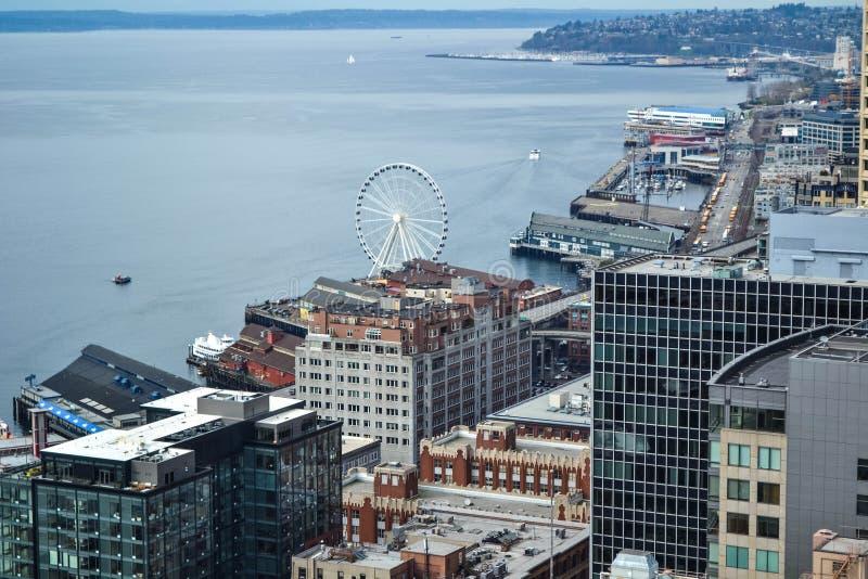 Olhando sobre Puget Sound da plataforma de observação de Smith Tower, Seattle, Washington fotografia de stock royalty free