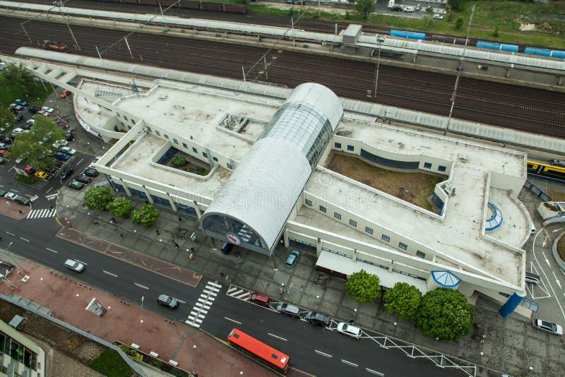Olhar aéreo no estação de caminhos de ferro de Petrzalka em Bratislava fotografia de stock royalty free