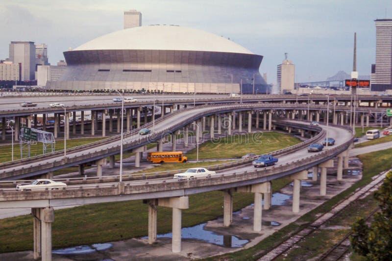 Olhar do vintage em Nova Orleães Super Dome foto de stock royalty free