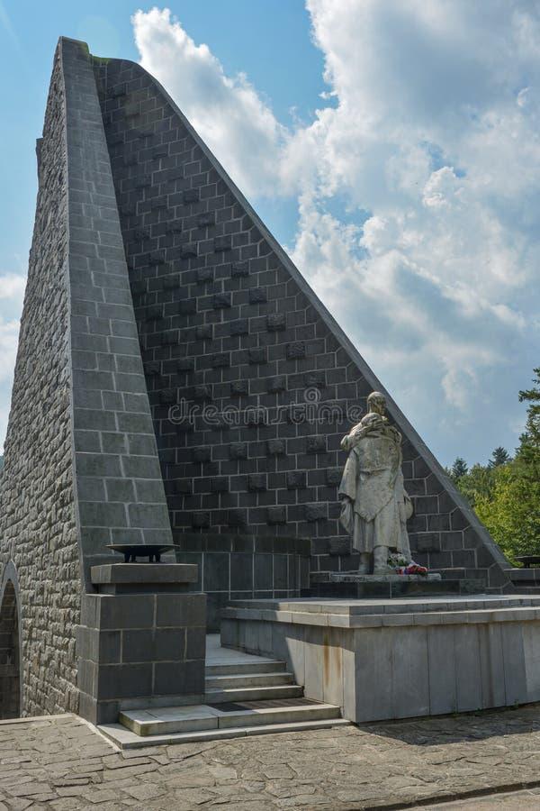 Olhar mais atento no memorial do exército Czechoslovak na passagem de Dukla imagens de stock
