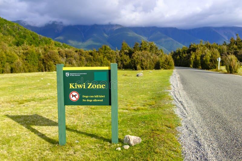 Olhe para o quivi assinam dentro Nova Zelândia fotos de stock