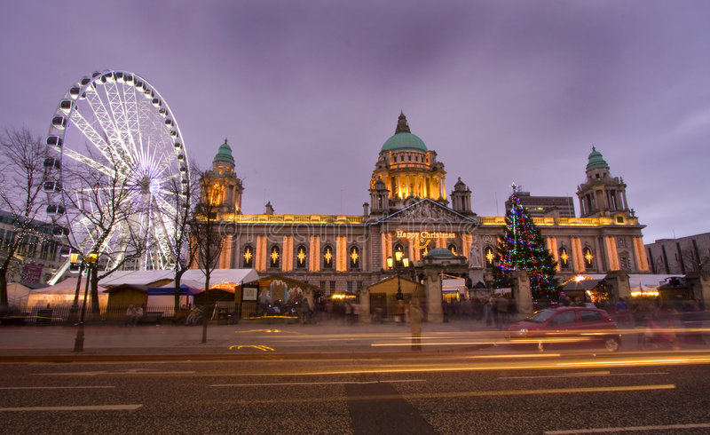 Olho de Belfast e salão de cidade fotos de stock