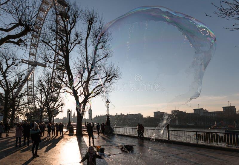 Olho de Londres com bolha da explosão imagens de stock