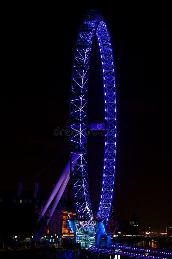 Olho de Londres Inglaterra na Tamisa imagens de stock