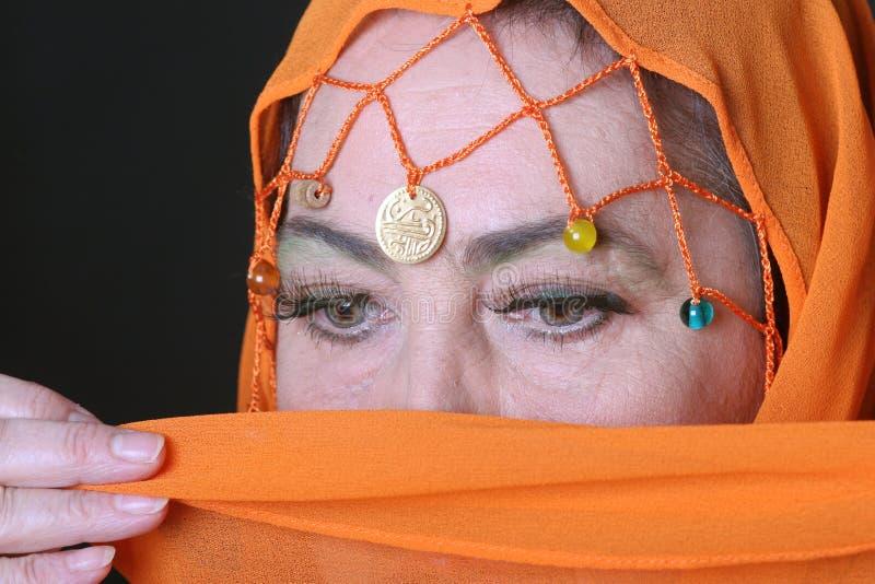 Olhos da mulher árabe fotografia de stock royalty free