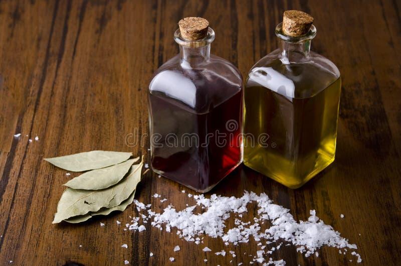 Olie, azijn en zout. royalty-vrije stock fotografie