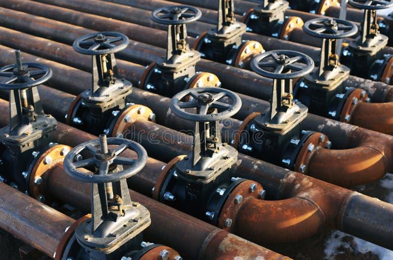 Olie en gas de kleppen van de pijplijn royalty-vrije stock foto's