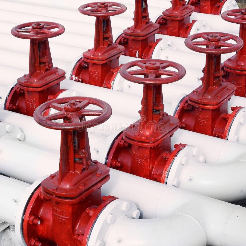 Olie en gas de kleppen van de pijplijn stock afbeeldingen