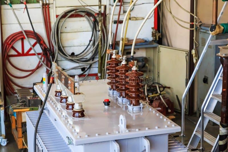 Olie ondergedompelde transformator onder kortsluiting die test weerstaan stock afbeelding