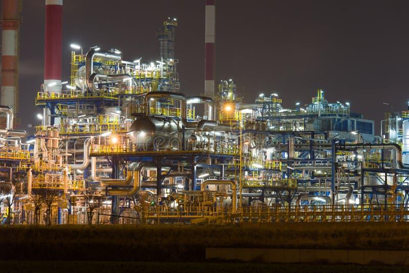 Olieraffinaderij stock foto's