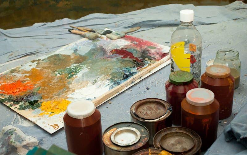 Olieverfschilderijborstels stock foto