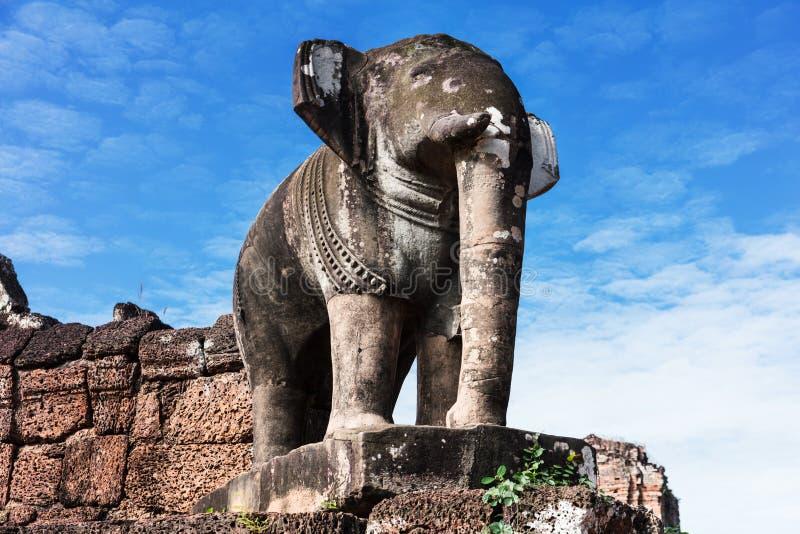 Olifantsbeeldhouwwerk bij het Oosten Mebon stock afbeeldingen