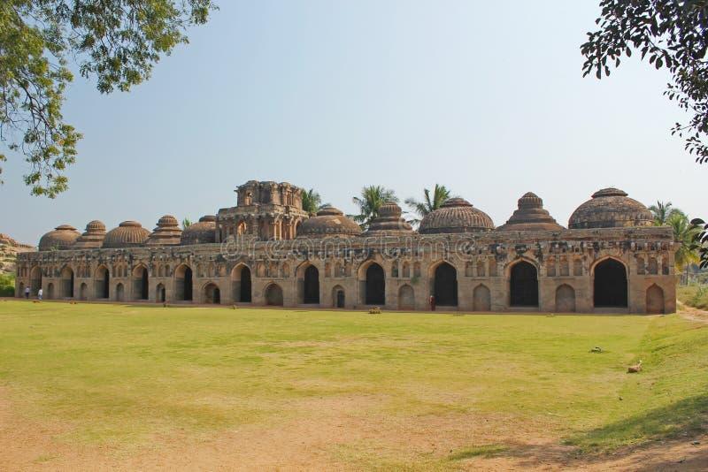 Olifantsstallen in Hampi, India stock fotografie