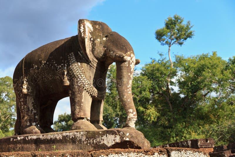 Olifantsstandbeeld bij de tempel van Mebon van het Oosten in Angkor Wat royalty-vrije stock fotografie