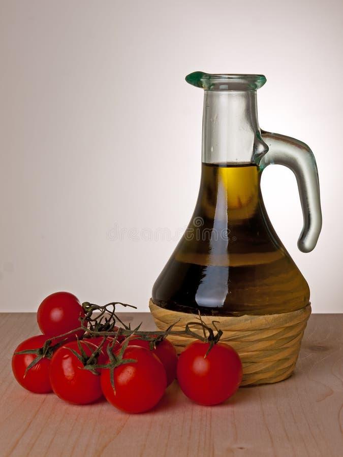 Olijfolie en tomaten, Mediterraan dieet royalty-vrije stock foto's