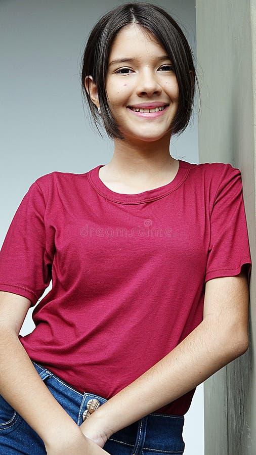 Download Olik flicka och lycka arkivfoto. Bild av joyful, barn - 106829940