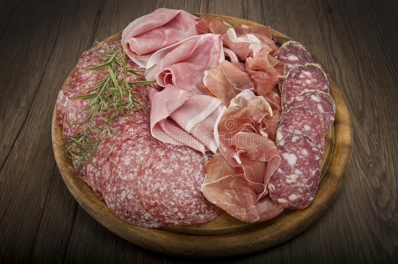 Olik italiensk salami royaltyfria bilder