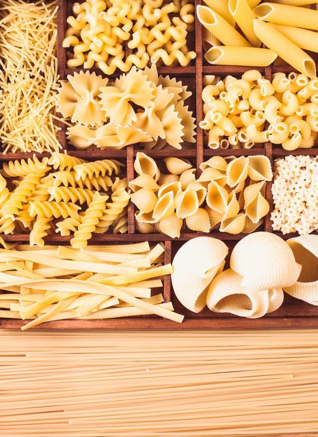 olik pasta royaltyfri bild