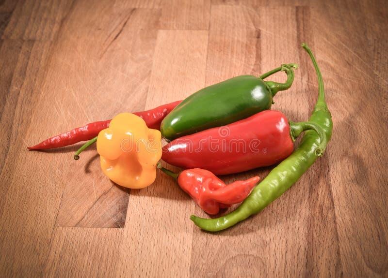 Olik variation av chili royaltyfri fotografi