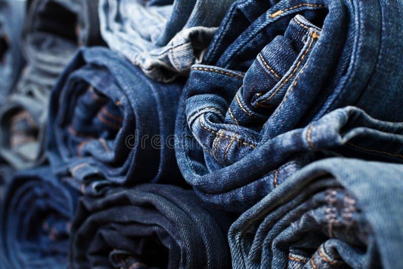 Olik vikt jeans royaltyfri bild