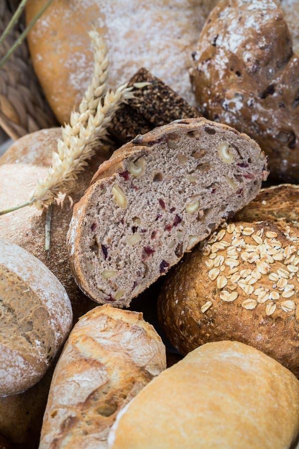 Olika bröd i flera format arkivfoto