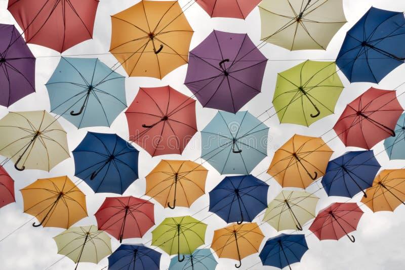 Olika färger av paraplysikten underifrån royaltyfri fotografi