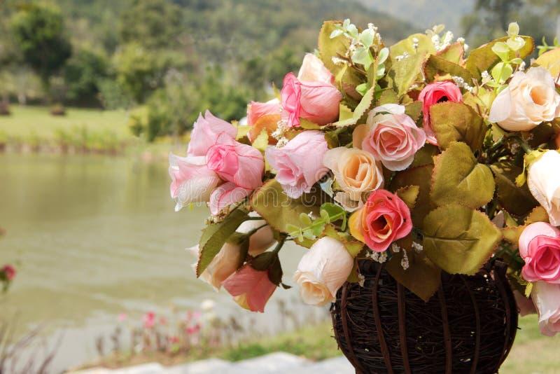 Olika färger för konstgjord ros fotografering för bildbyråer